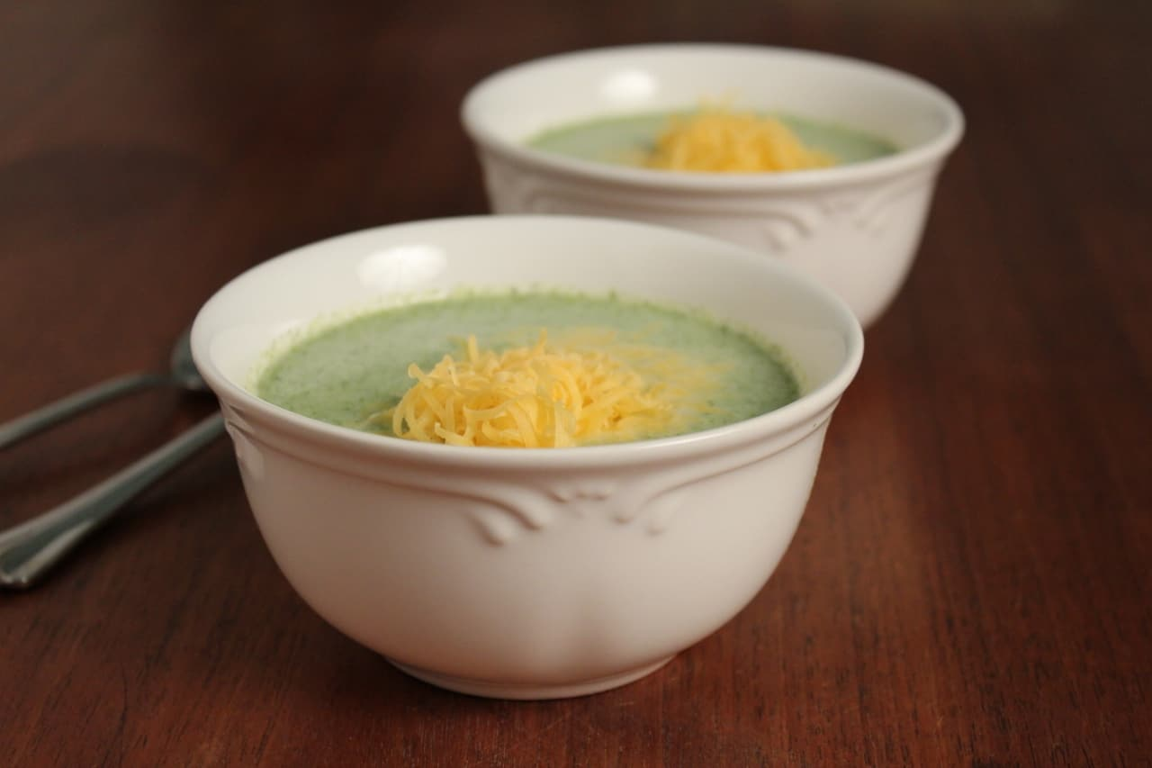 Easy Cream of Broccoli Soup - Cooks Recipe Collection
