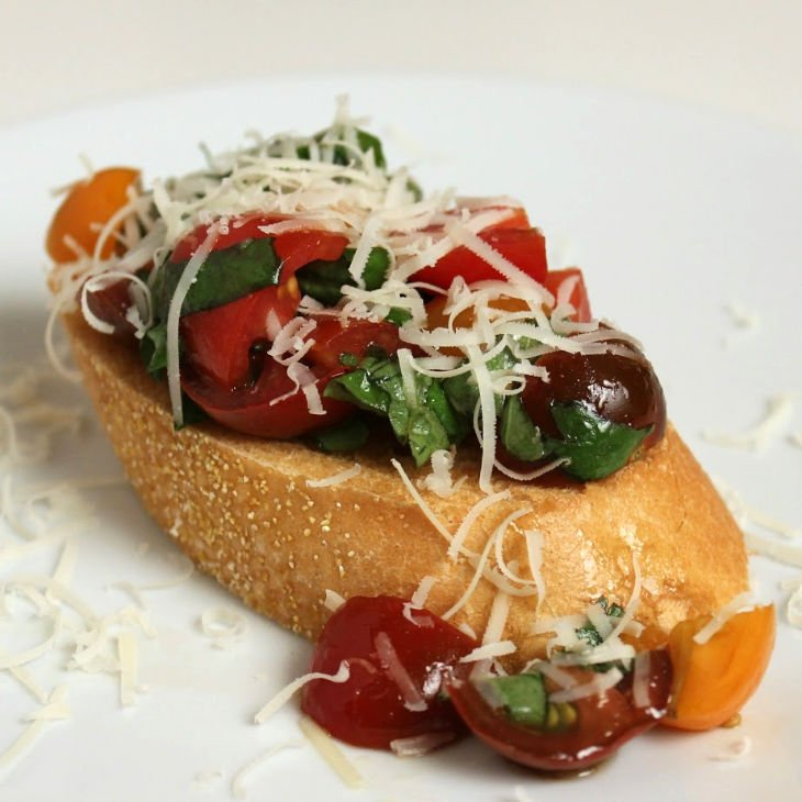 Classic Bruschetta with Tomato and Basil